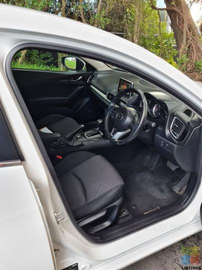 2014 Mazda 3 sp25 - 2/3