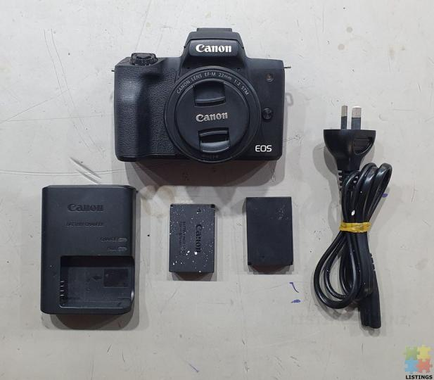 Canon EOS M50 Mirrorless Camera with 22mm Macro Lens - 2/2