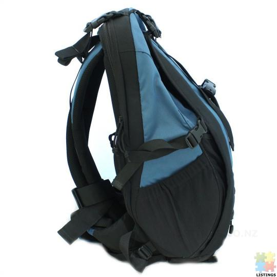 Lowepro Primus AW Backpack (Arctic Blue) - 5/10