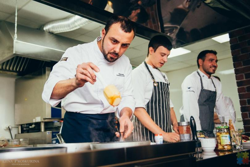 Part Time Cafe Cabinet Chef/ FOH - 1/1