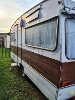 Classic caravan 1986