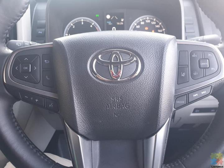 Toyota hiace zx 2019 minibus 12 seater - 3/4