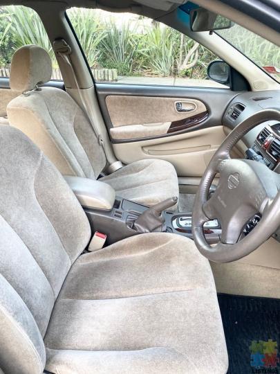 2001 Nissan Maxima - nz new - 2/3
