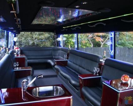 Limousine Coach Chauffeur (casual)