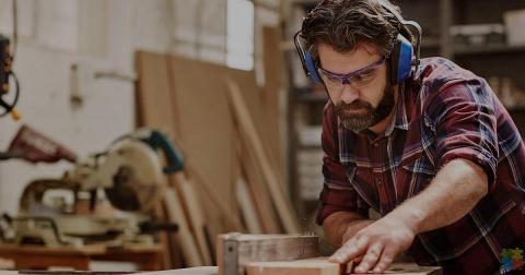 Seeking aluminium joiner for busy Oamaru workshop.
