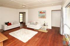 TWO ROOMS available now in sunny Maeroa, Hamilton!