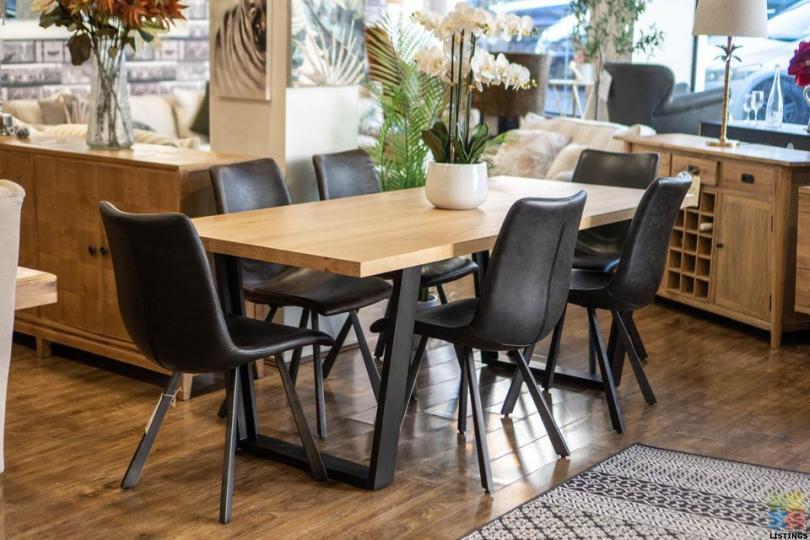 Eriksen Dining Table - 1/2