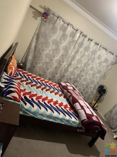 Double bedroom available on 65 great south road, Papatoetoe - 1/1
