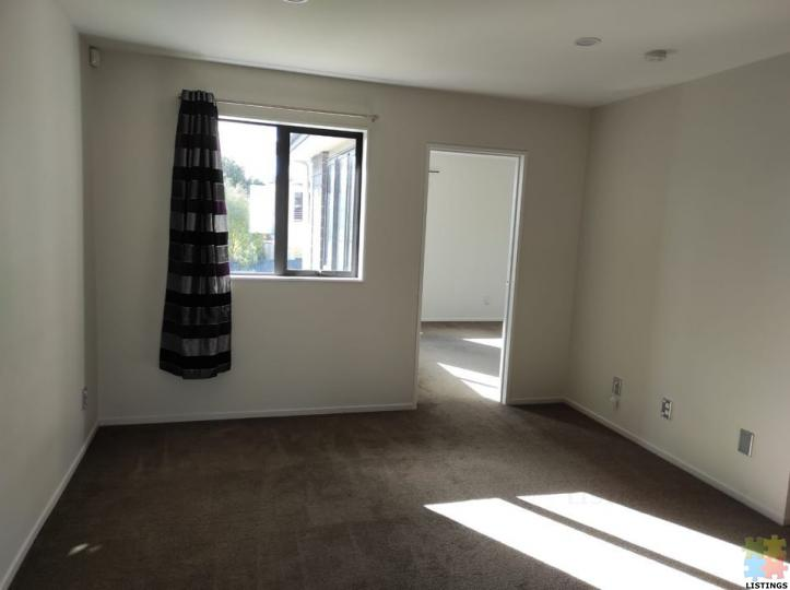 4 beds 2 baths Room only - 2/8