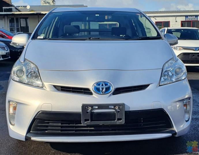 2014 Toyota prius hybrid l-package - 1/3