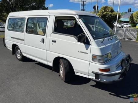 2007 Mitsubishi l300 lwb 5door low km nz new