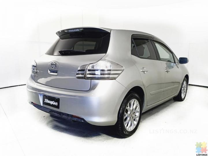 2012 Toyota Blade - 3/3