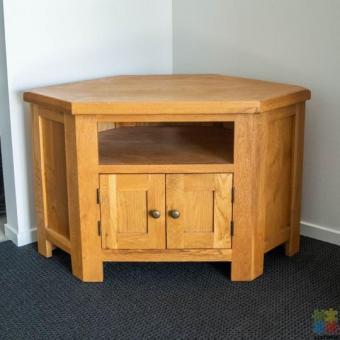 Oak and oak veneer TV unit
