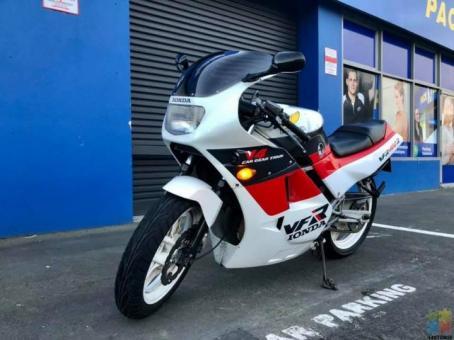 Honda VRF400R, V4 Engine, 59Hp