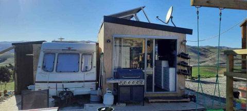 Tinny home/caravan