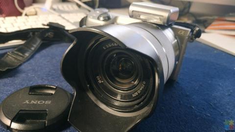 Camera Sony NEX-5R