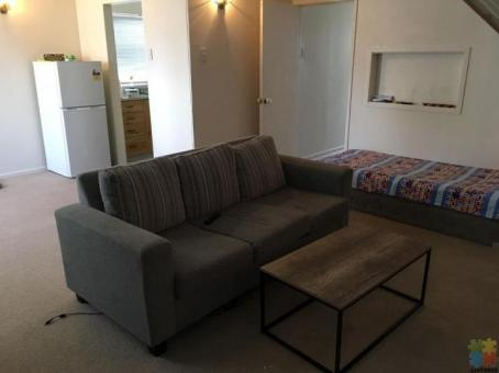 1 bed 1 bathroom – Room only