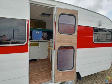 For sale retro caravan 15.5ft oxford