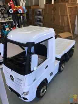 2*12volts Licensed Mercedes Actros Truck 4WD