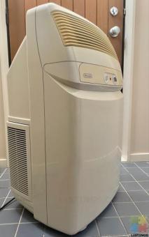 Air Conditioner/ Dehumidifier DeLonghi , Portable but Powerful.