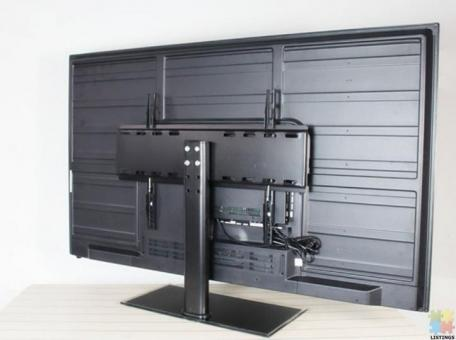 Brand new Universal TV Stand for 32'' to 55'' TV