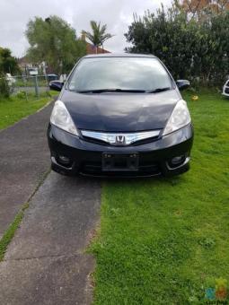 Honda fit shuttle hybrid 2013