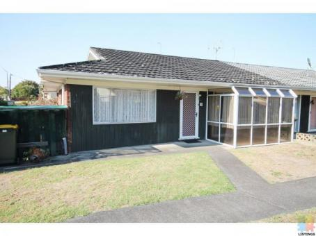 2 bedroom house with 1 bathroom and 1 separate toilet