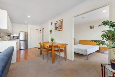 2 Beds 1 Bath Apartment/condo