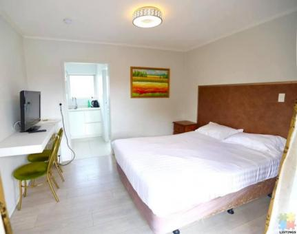 Abella Motel Room with Carpark for Rent