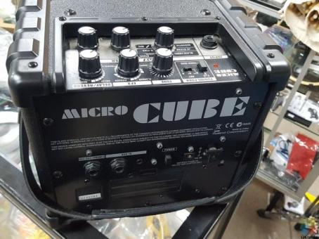 ROLAND MICRO CUBE GX AMP - BATTERY POWERED GUITAR