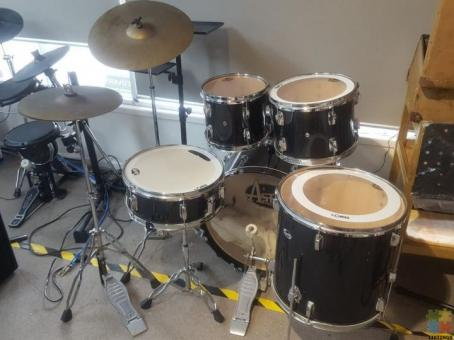 Astro Full 5 Piece Drum Kit with 1 Hi-Hat and 1 Cymbal