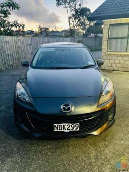 Mazda Axela sky active istop 2012